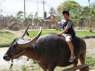 thaiaajkids2a.jpg